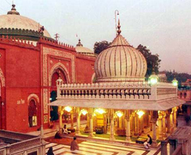 Hazrat Nizamuddin Auliya and The Neighborhood